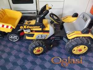Prodajem traktor-bager za decu