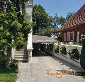 Izdavanje - Luksuzna samostojeća kuća na Dedinju