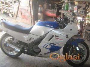 Irig Yamaha FZ750 1988