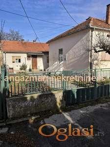 Jagodina – dve kuće u dvorištu od 67kvm i 92kvm na 3,3a ID#11037