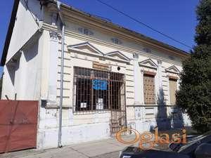 Kuća u Bačkom Jarku ( centar, glavna ulica)