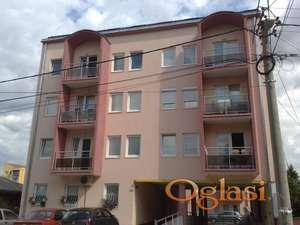 izdajem ili prodajem stan u centru kragujevca