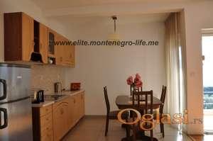Prodaje se prekrasan apartman na Hercegnovskoj rivijeri u Baošićima, 250m od mora.