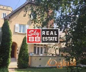 Senjak , vrhunska lokacija , stan u vili ID#1678