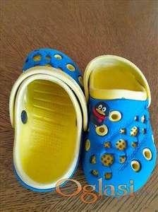 Zuto plave papuče broj 26
