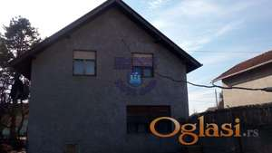 Odlična spratna kuća u Begeču !