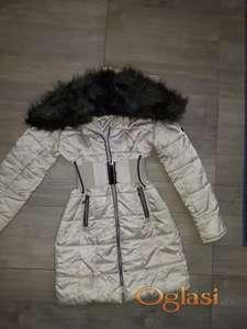 Duga jakna sa krznom