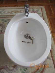 Nekorišćen,nov bide za kupatilo (kompletiran)