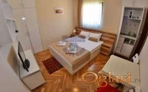 Prodaje se vila sa 5 apartmana, Zlatibor