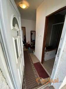 Dva odvojena stana moguce spajanje Rakovica