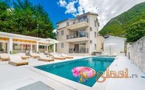 Vila sa bazenom i djakuzijem na idealnoj lokaciji za odmor - Stoliv, Kotor