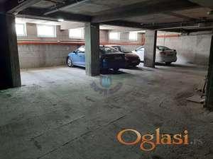 Uknjiženo garažno mesto u suterenu zgrade
