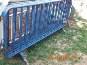 Metalna ograda, gvozdje