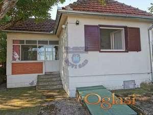 Uknjizena,renoviran,lepa kuća,Beška
