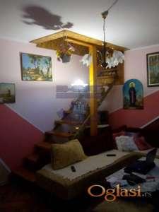 Kuća sa dve stambene jedinice! Bulevar patrijarha Pavla!