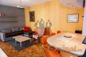 ~Lep trosoban stan u Železničkoj ulici, useljiv od 20. oktobra~