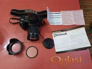 FUJIFILM FINEPIX S200 EXR Foto aparat