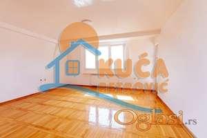3.5 Duplex, Centar, 117m2, 109000 Eura